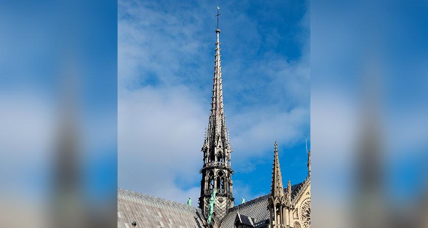 fleche Notre Dame - Pour peindre les choses du Christ, il faut vivre avec le Christ