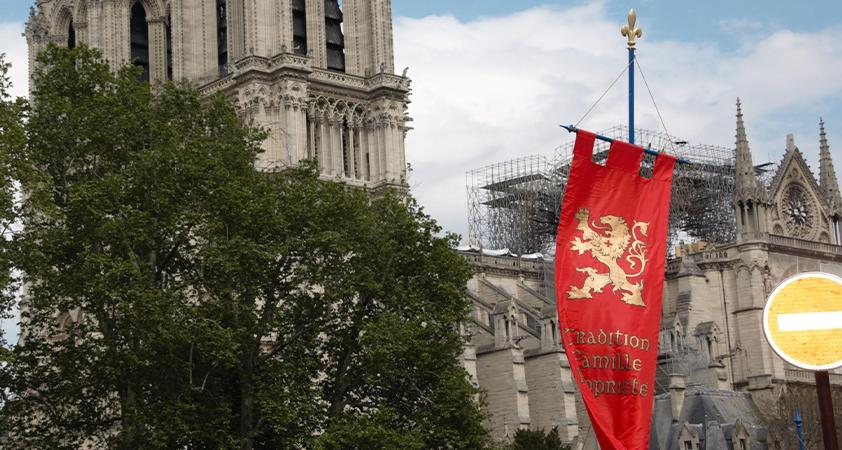 Viollet-le-Duc - Au XIXe siècle, Viollet-le-Duc a confirmé l'élan de l'art gothique en lançant davantage, par sa flèche, la cathédrale vers le Ciel....
