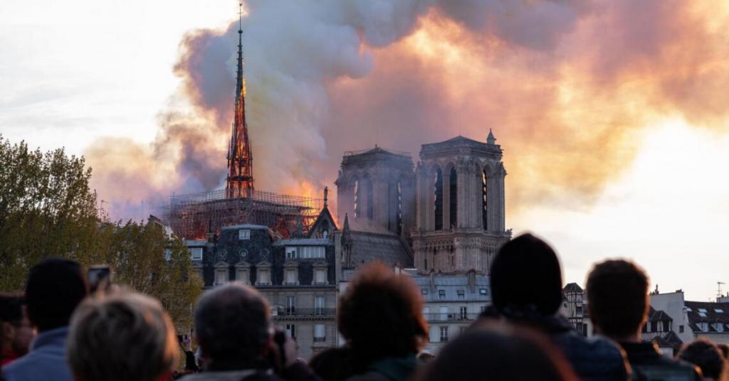 Il y a un an, jour pour jour, Notre-Dame était ravagée par les flammes alors que commençait la Semaine sainte. Bientôt l'incendie, demeuré...