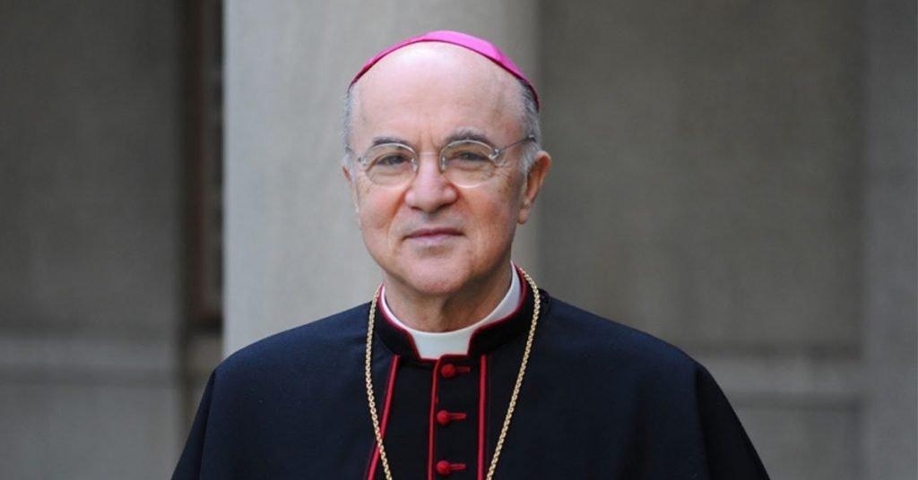 Face - Mrg Vigano...véritable injustice, qui ont conduit plusieurs évêques à réagir avec une juste colère, dont Mgr Carlo Maria Vigano...