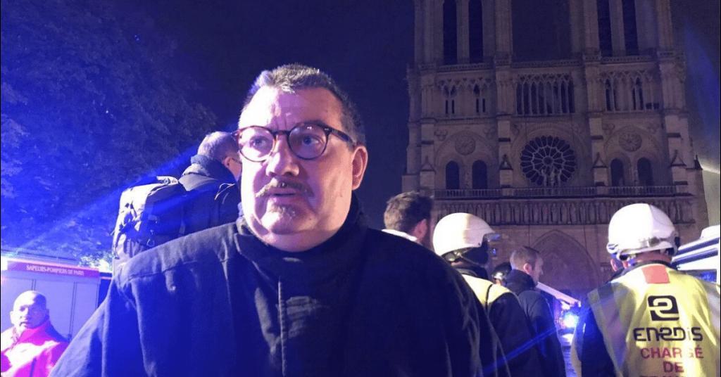Le « héros de Notre-Dame », l'aumônier des sapeurs-pompiers de Paris, le père Jean-Marc Fournier, vient d'être nommé directeur...