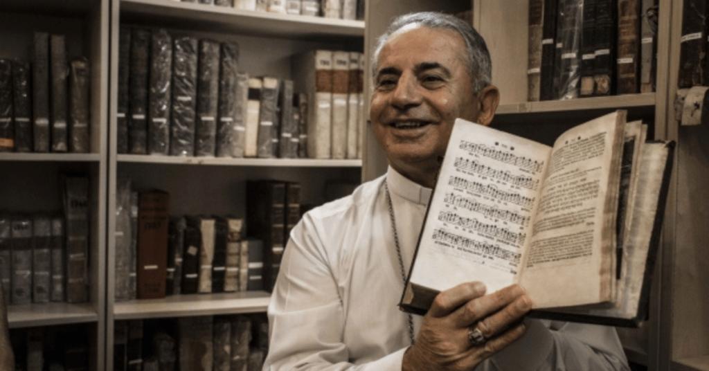 Monseigneur Najeeb 1024x536 - « J'appelle les chrétiens à se battre pour conserver leur identité »