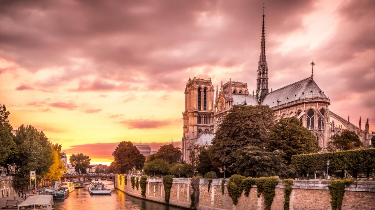 IDEOLOGIE 13 1200x675 - Le risque d'abîmer à jamais l'esprit et l'âme qui habitent Notre-Dame