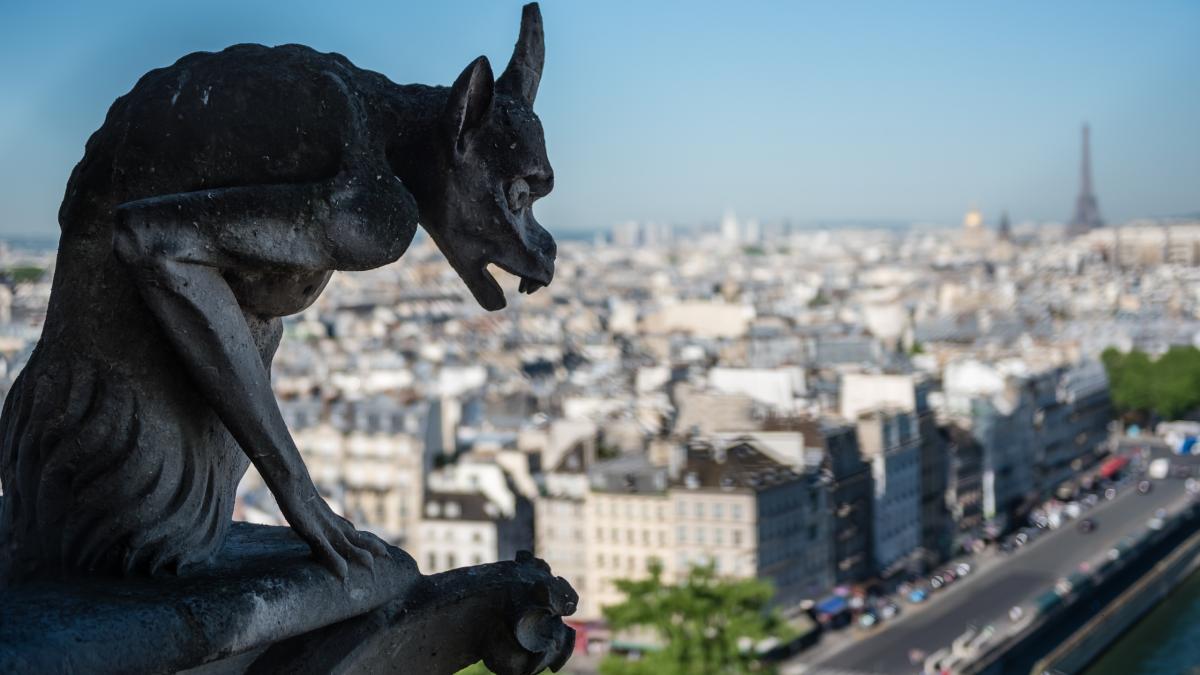 vestiaire  neutre . 1200x675 - Notre-Dame de Paris : « le projet de très mauvais goût de Mgr Aupetit »