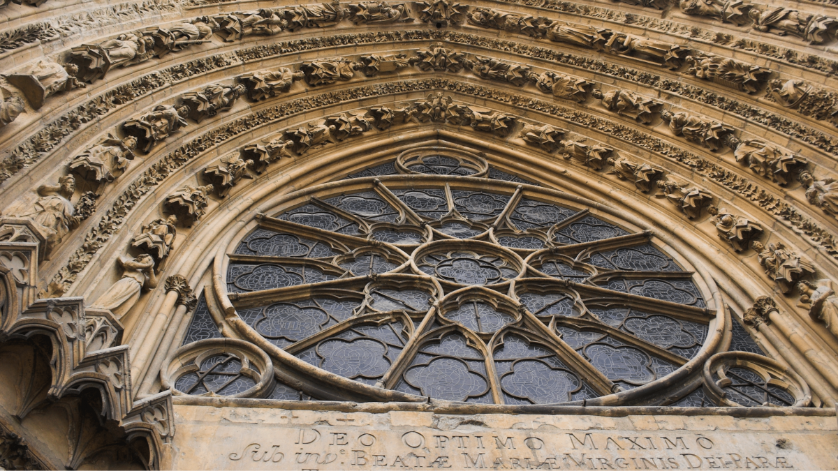 presente 3 1 1200x675 - « Sauver l'essentiel de Notre-Dame : son éternité »